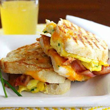 bacon-egg-cheese-paninis