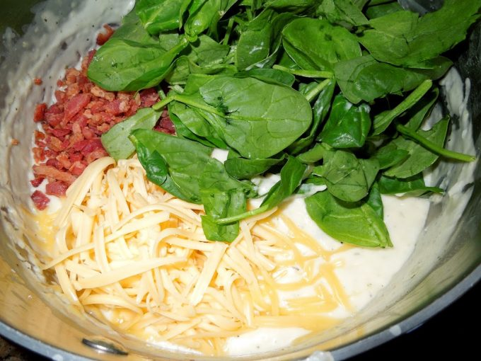 Turkey, Bacon And Spinach Casserole With A Gouda Cream Sauce ...