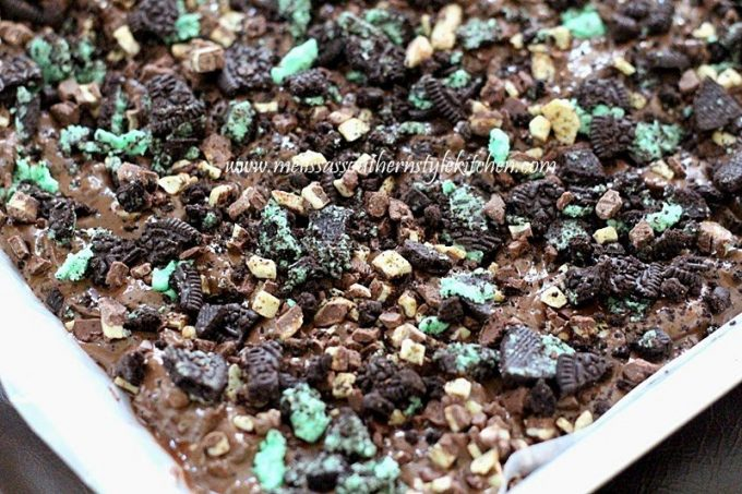 Mint Chocolate Cookie Bark