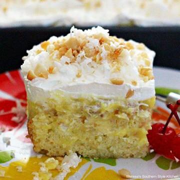 Hawaiian-pineapple-coconut-poke-cake-recipe
