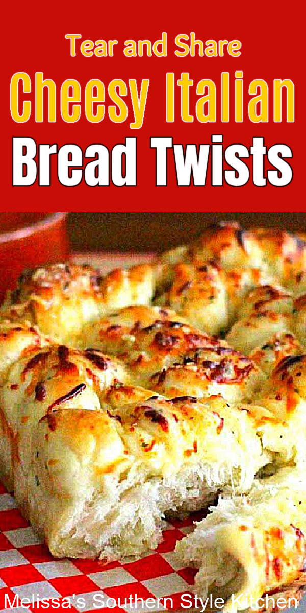 These Tear and Share Cheesy Italian Bread Twists are perfection for serving with pizza, pasta or as an appetizer on game day snacks. #breadsticks #breadrecipes #breadtwists #garlicbread #cheesebread #pullapartbread #easybreadrecipes