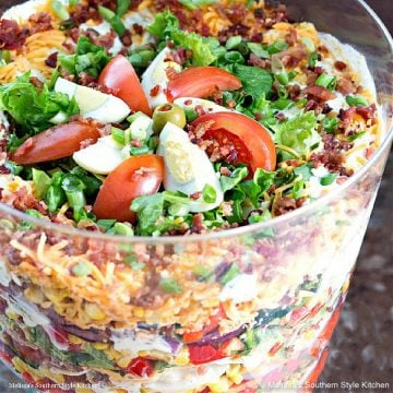 how to make Chicken Bacon Ranch Layered Salad