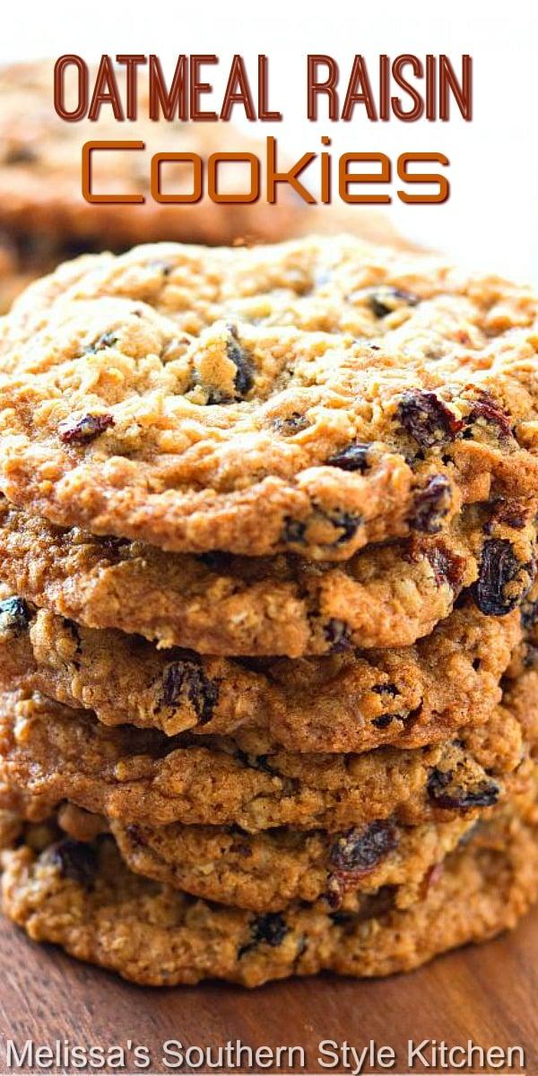 Classic chewy Oatmeal Raisin Cookies #oatmealraisincookies #cookies #oatmeal #cookierecipes #desserts #dessertfoodrecipes #recipes #food #southernrecipes #southernfood #holidaybaking