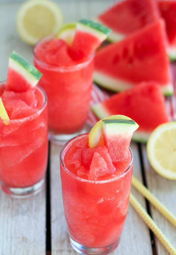 25 Family Friendly Drinks To Serve At Your Next BBQ