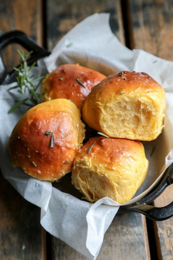 rosemary-sea-salt-sweet-potato-rolls