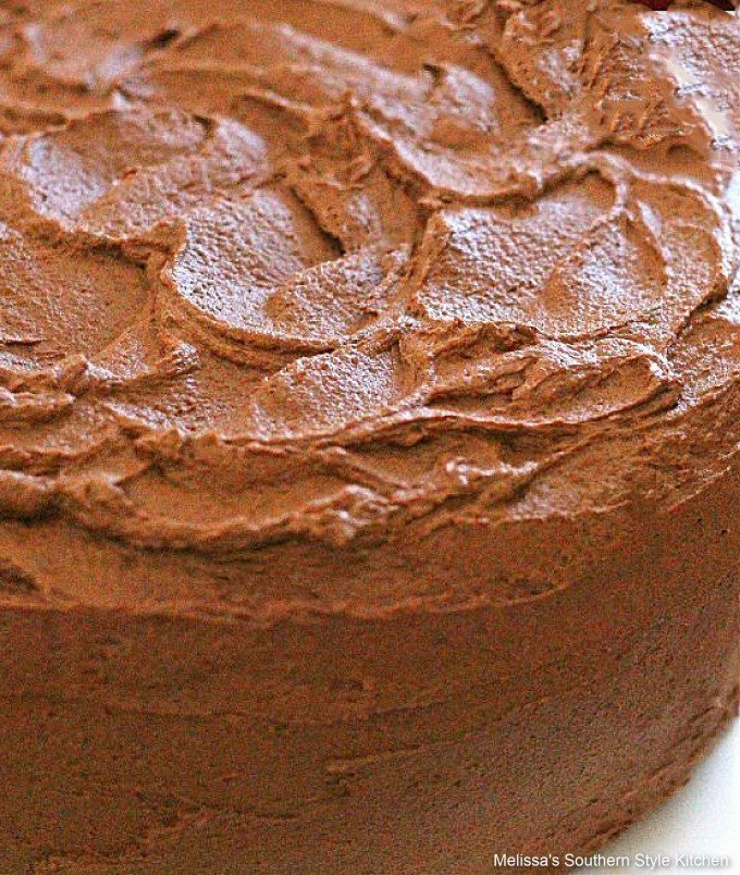 how-to-make-chocolate-layer-cake-with-chocolate-frosting