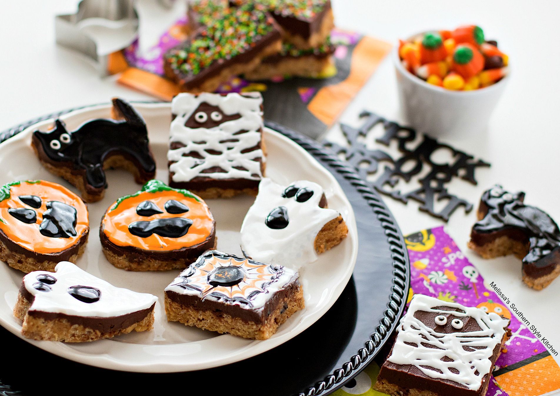 easy Halloween scotcheroos