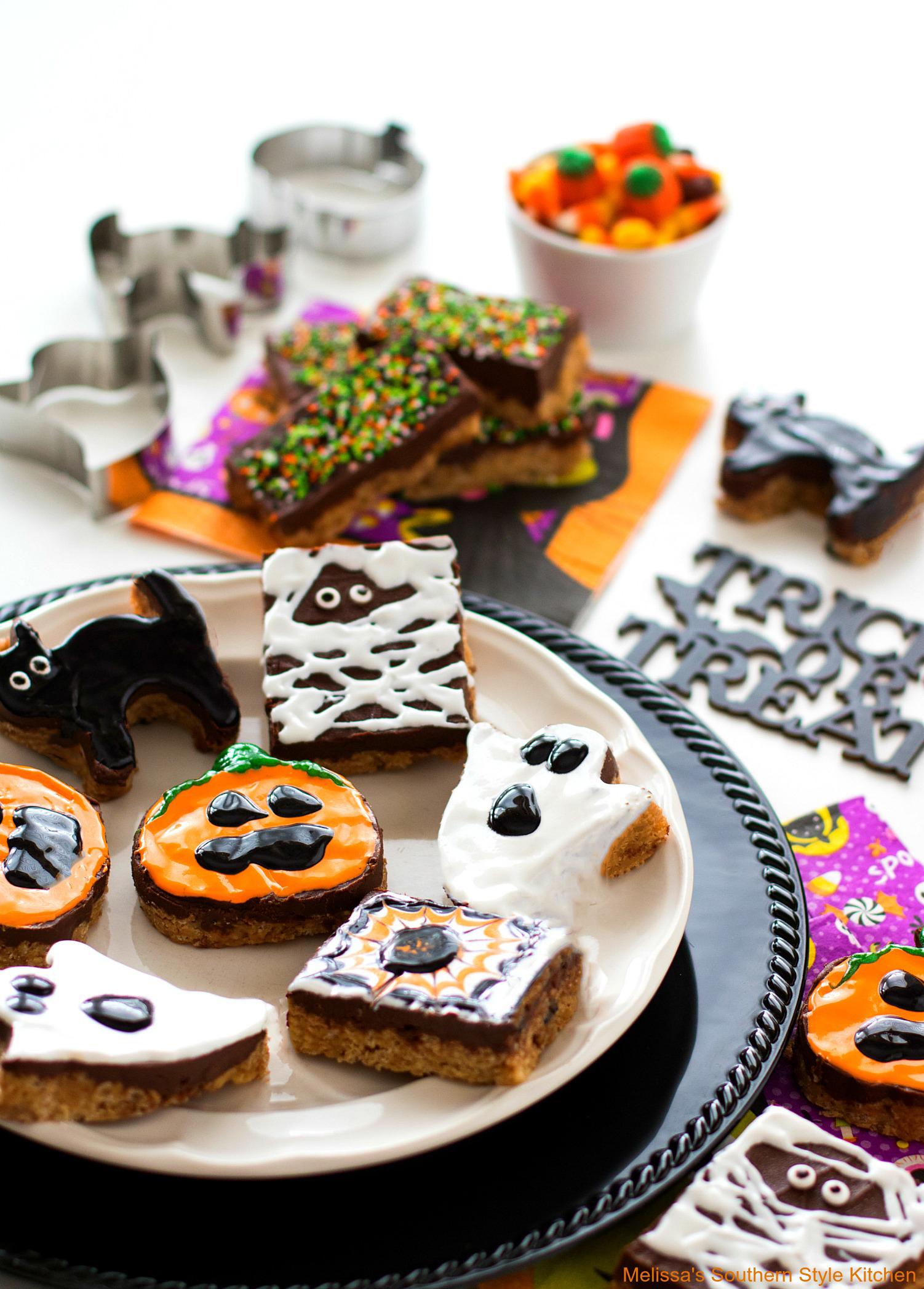 decorated Halloween scotcheroos