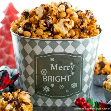 recipe for Chocolate Drizzled Caramel Corn