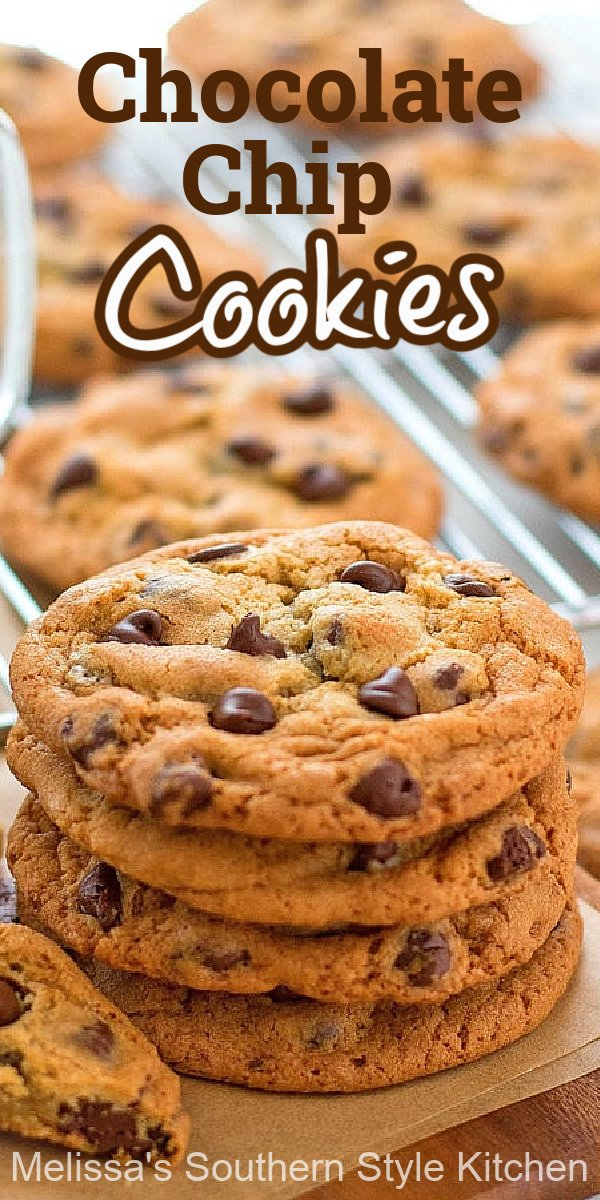 The king of all cookies these homemade Chocolate Chip Cookies never last long in your cookie jar #chocolatechipcookies #chocolate #bestcookierecipes #chocolatechipcookierecipe #holidaybaking #chocolatecookies #southernrecipes #southernfood #Christmascookies #desserts #dessertfoodrecipes