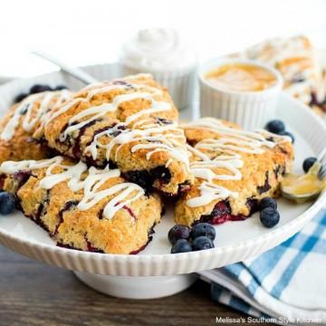 blueberry-sour-cream-scones