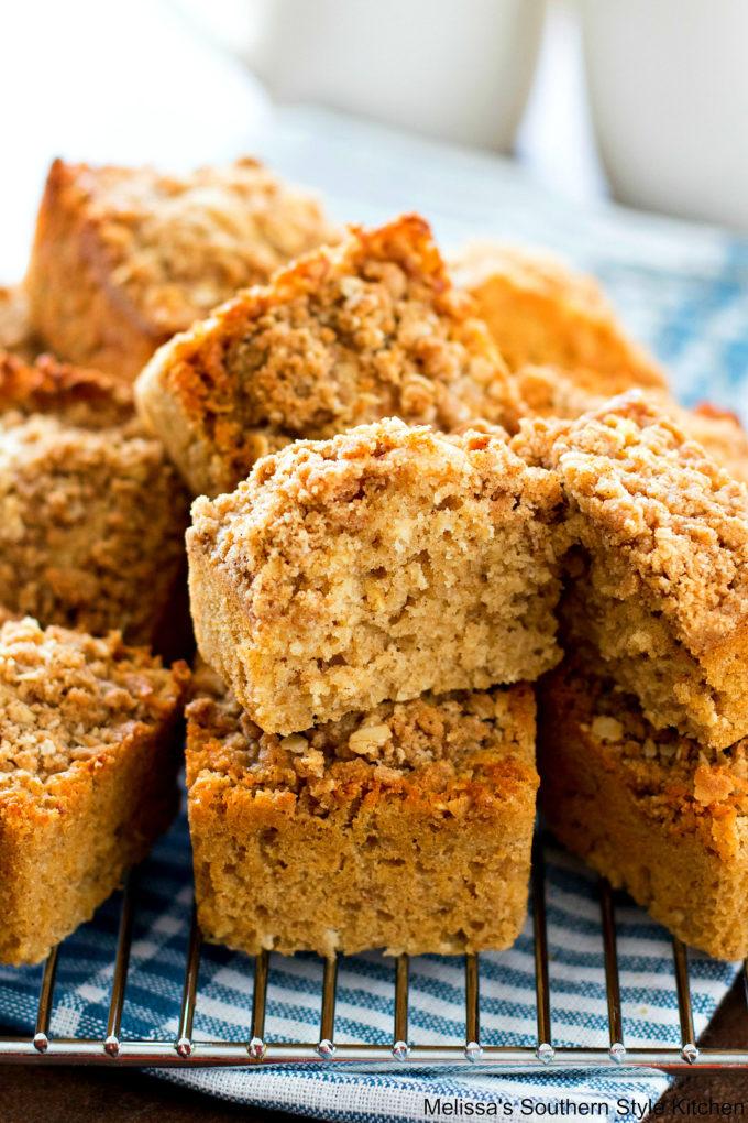 Cinnamon Streusel Oatmeal Muffins