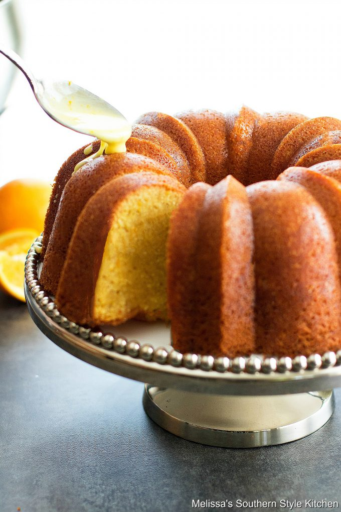 Drizzling glaze on pound cake