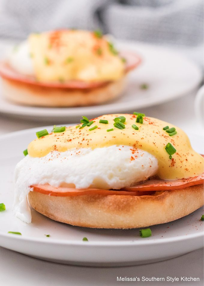 Eggs Benedict with Blender Hollandaise Sauce recipe