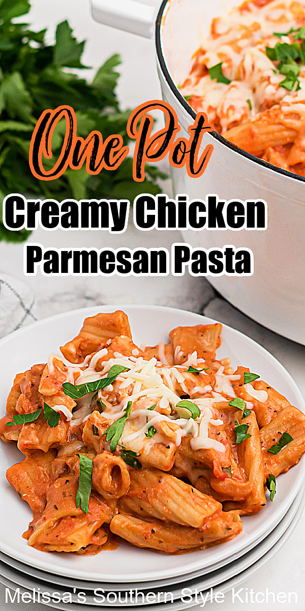 Enjoy this mouthwatering One Pot Creamy Chicken Parmesan Pasta for Italian night at home #chickenparmesan #onepotpasta #chickenparmesanpasta #easychickenrecipes #pasta #onepotrecipes #dinnerideas #southernrecipes #chickenbreastrecipes