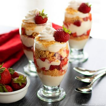Easy Strawberry Parfait recipe