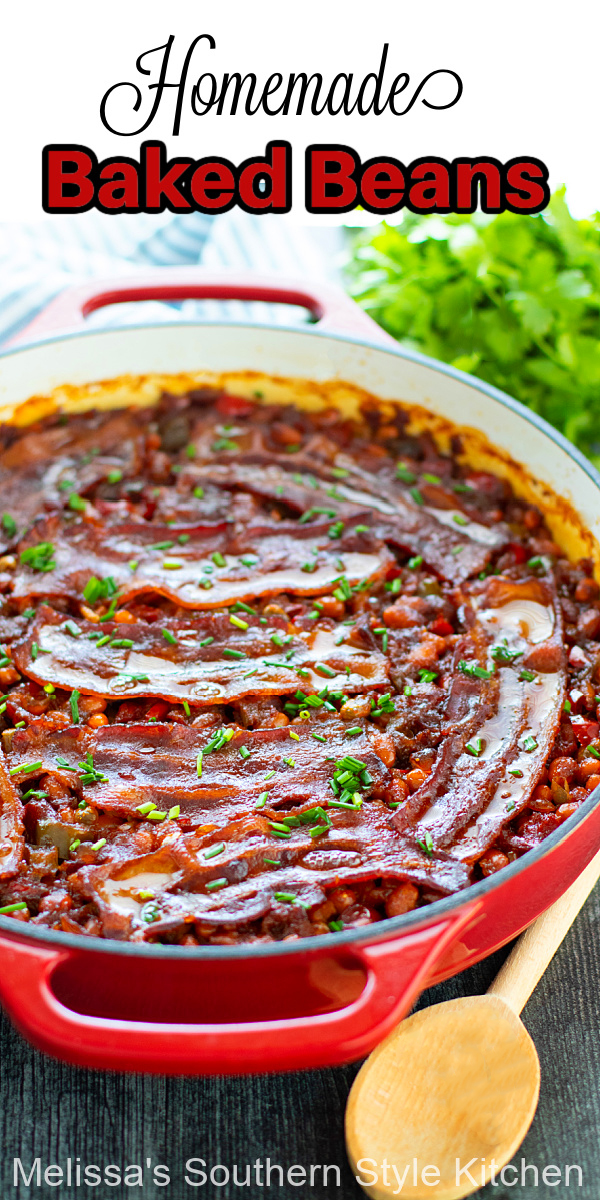 These Homemade Baked Beans are simmered in a smoky sauce that's flavored with molasses and bacon #bakedbeans #bakedbeansrecipes #beans #bakedbeanswithbacon #navybeansrecipes #navybeans