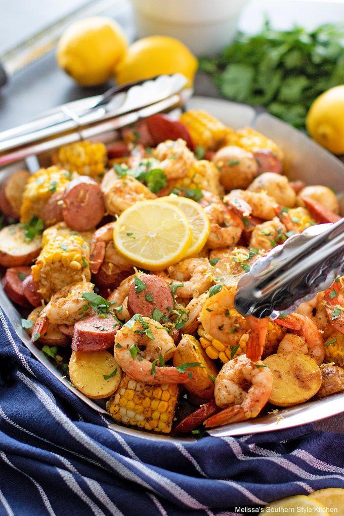 serving-shrimp-boil