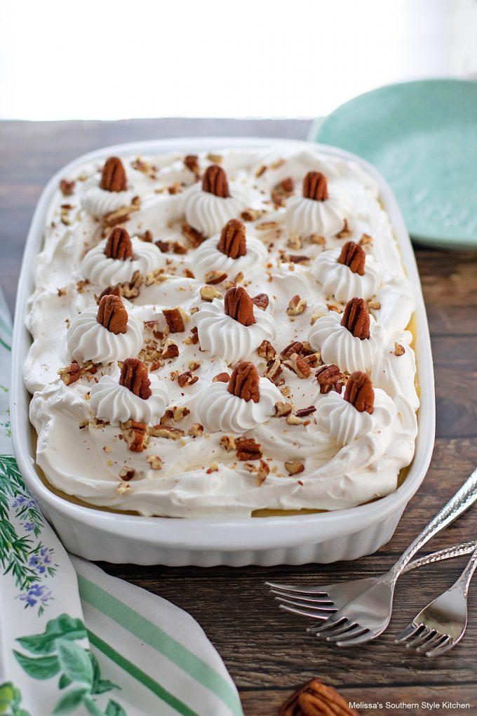 hummingbird-cake-poke-cake-recipe