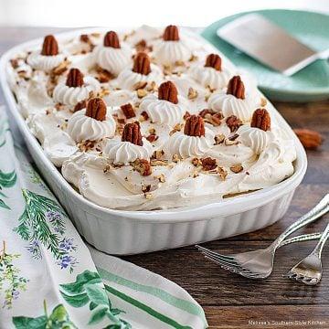 southern-hummingbird-cake-poke-cake-recipe