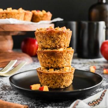 apple-cinnamon-baked-oatmeal-cups