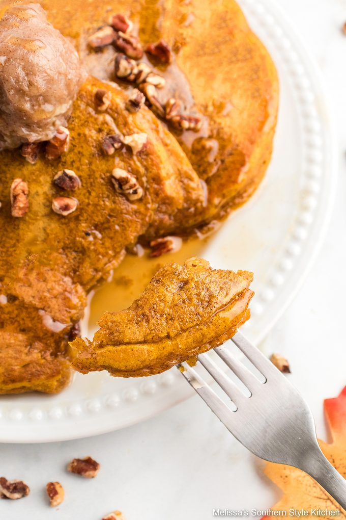 pumpkin-pancakes-with-maple-butter
