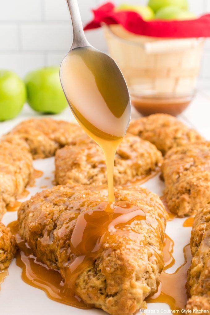 single-caramel-apple-scones