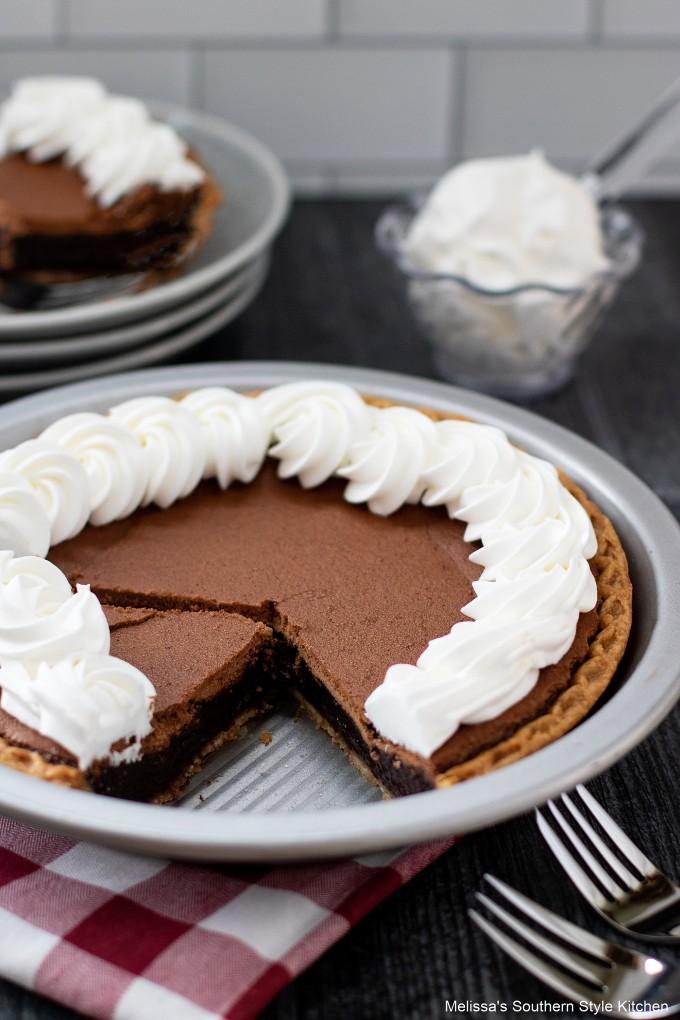 sliced-chocolate-chess-pie
